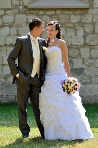 7eef4883d6 Esküvői ruhaszalon Miskolc, menyasszonyi ruha szalon - Eskuvo-center.hu