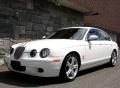 Hófehér Jaguar budapesti autókölcsönző